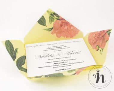 Invitatii nunta - Invitatii nunta handmade cu bujori corai - interior