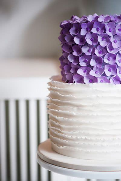 tortul mirilor flori ultra violet