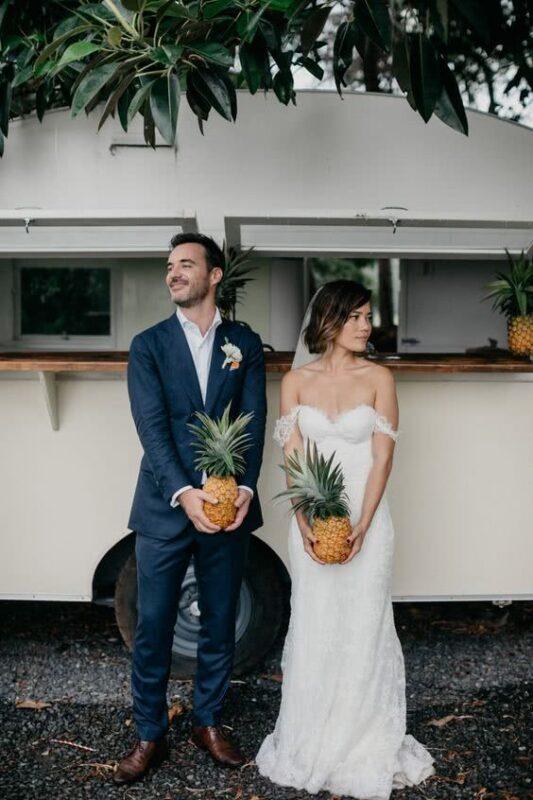 mire si mireasa nunta tematica cu ananas