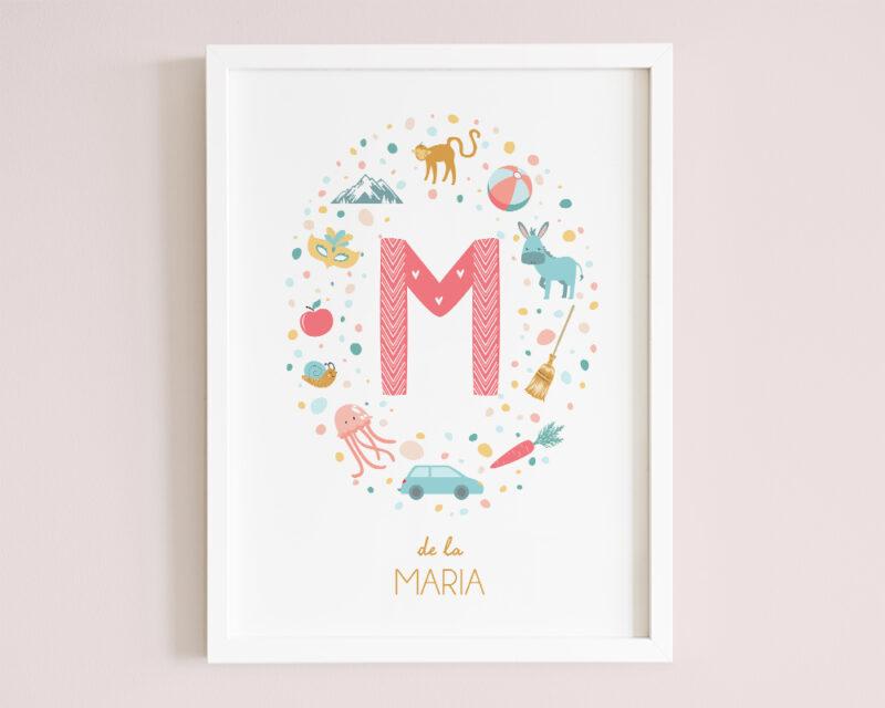 Tablou personalizat pentru copii Letter M, cu intiala fetitei, animalute colorate si inramat cu rama lemn.