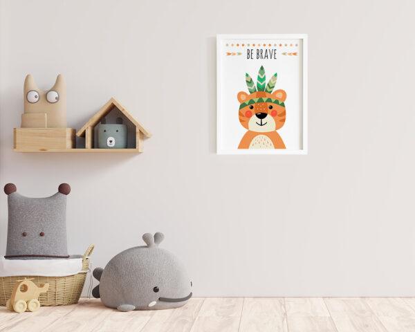 Un tablou camera copilului cu mesaj be brave si tigru haios.